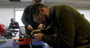 Aprendiendo a operar una fusionadora de fibra óptica
